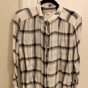 Black and cream plaid button up